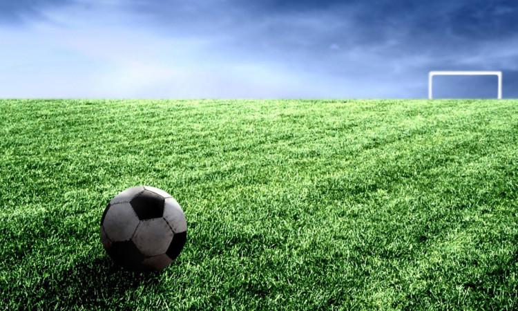 campo-futebol-bola